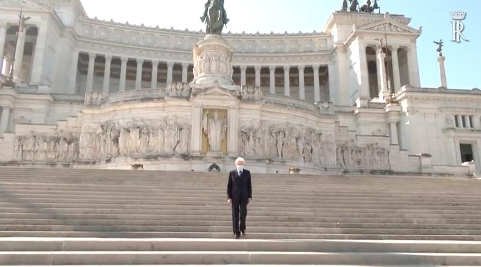 Sergio Mattarella altare della patria rai1
